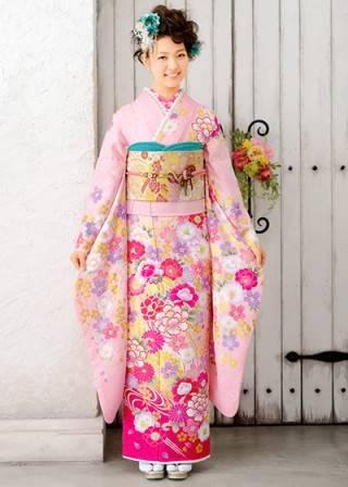 ふんわり桜色の振袖