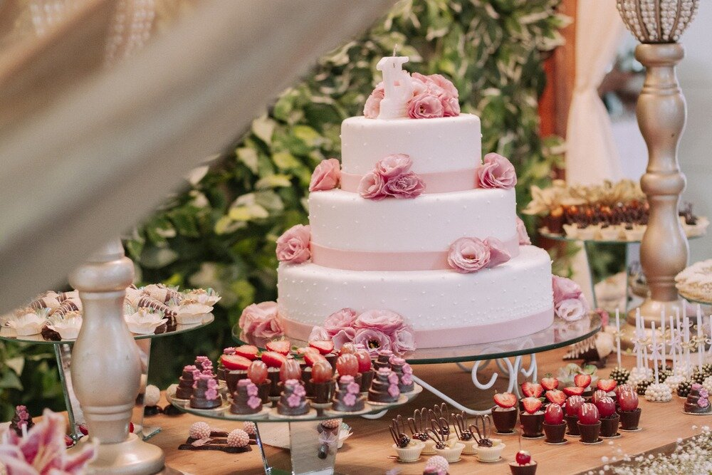 ピンクのフレッシュケーキ