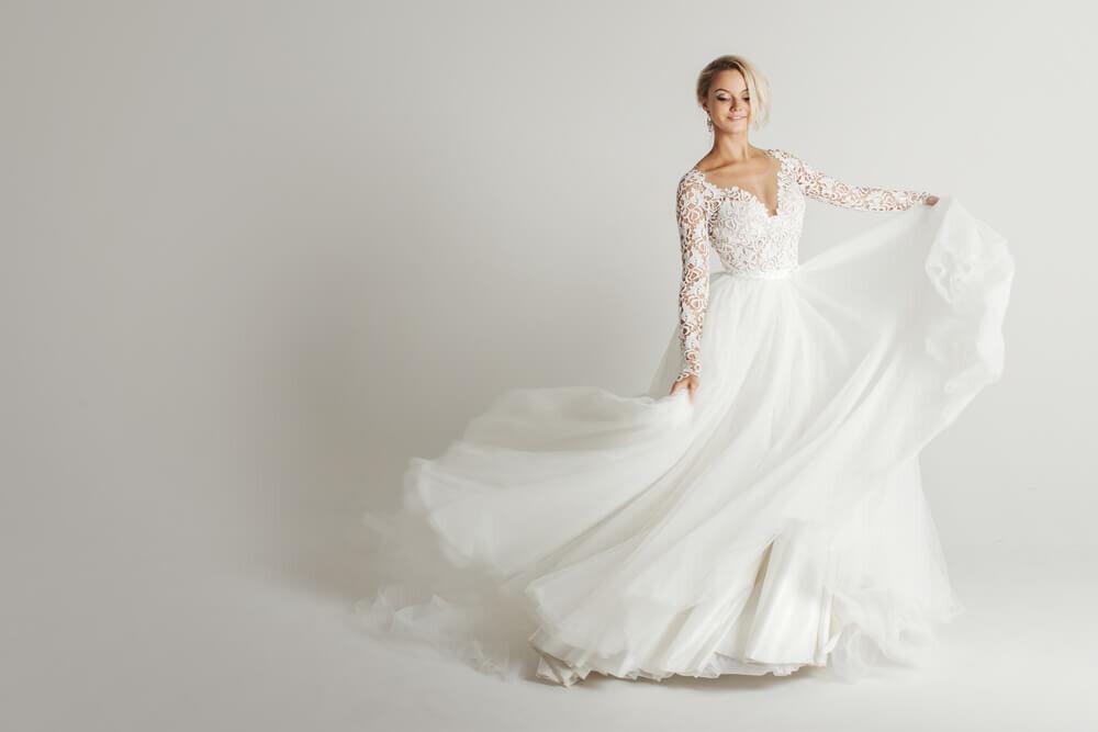 デコルテが美しいウエディングドレス姿