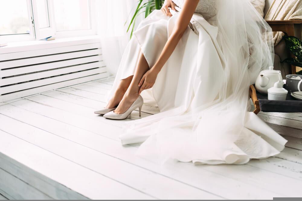 床に広がるドレス