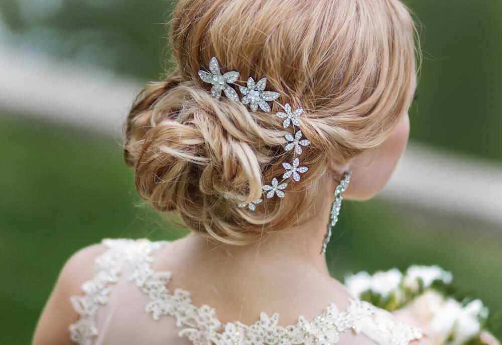 花モチーフのヘッドドレス