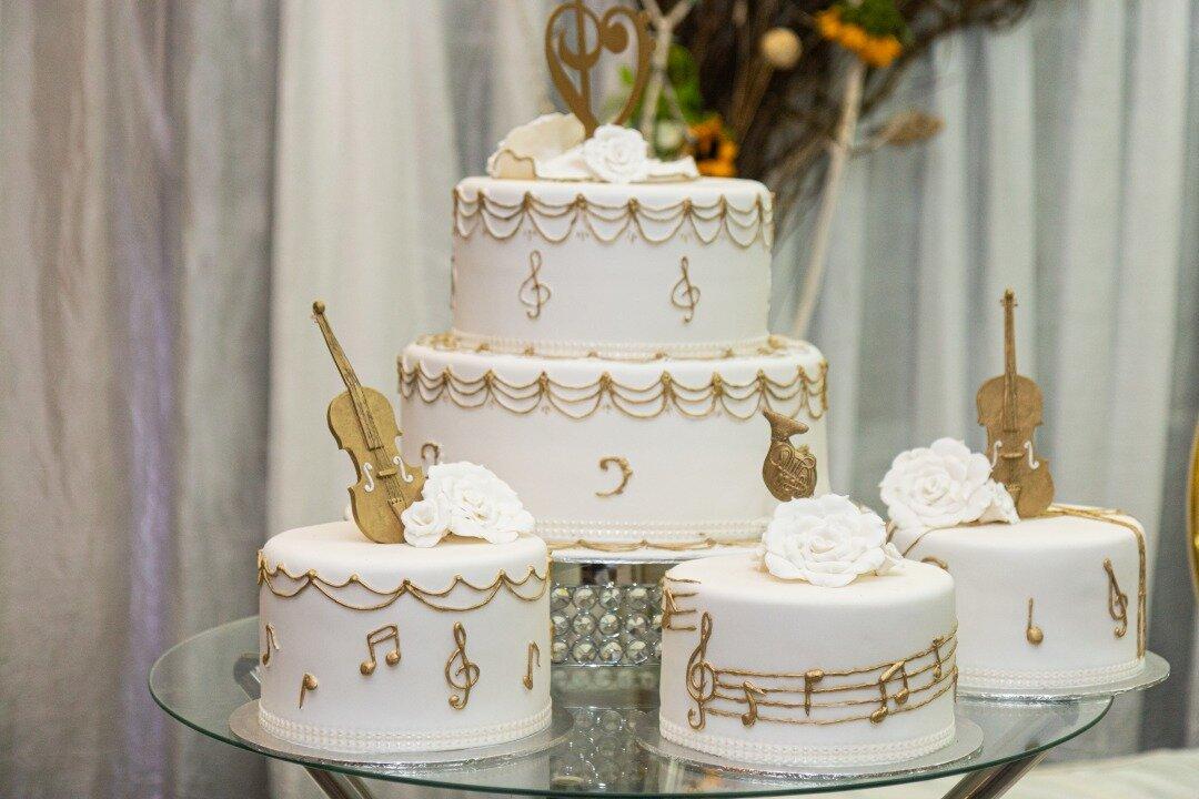 音楽感たっぷりなウエディングケーキ