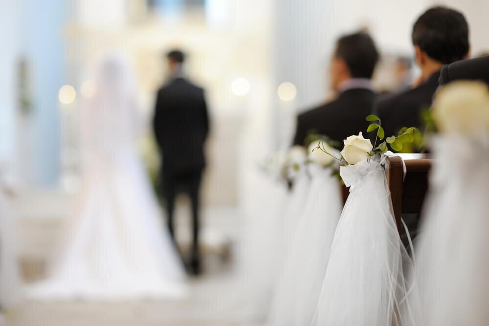 結婚式中の会場
