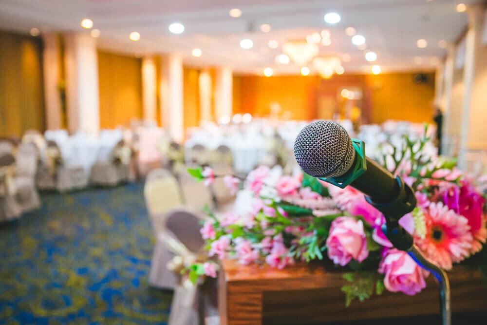 結婚式のスピーチ用のマイク