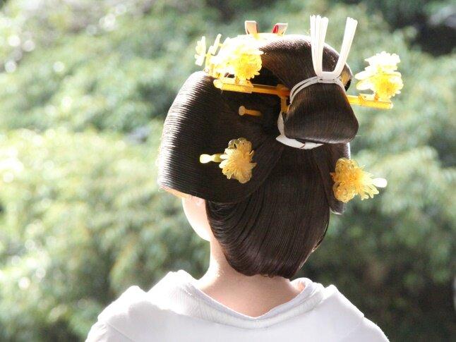 後ろから見た花嫁の髪