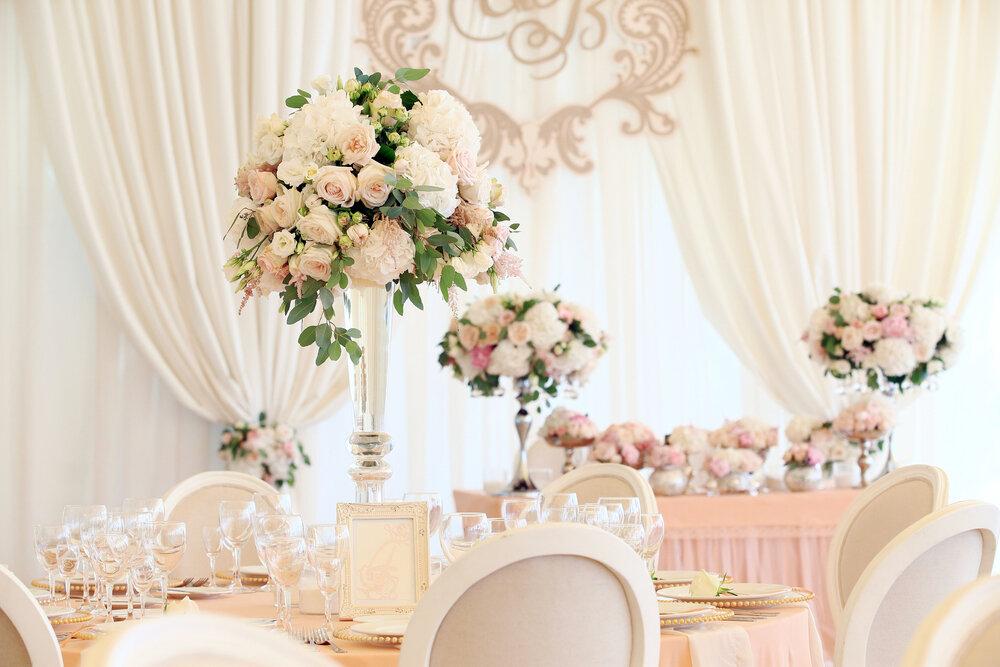淡い色味の結婚式場