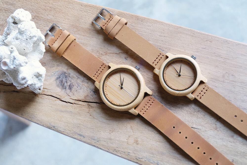 並ぶ腕時計
