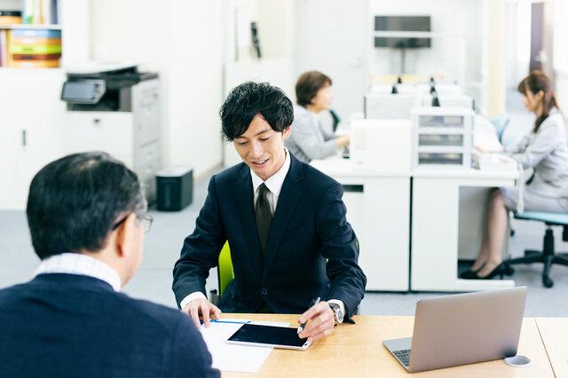 副業は開業届を出すべき?確定申告との関係は?