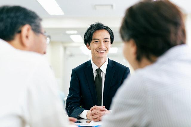 サラリーマンが資産運用をしたら副業?資産運用のポイントを解説します