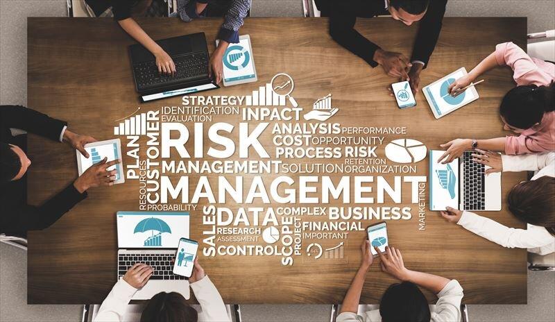 投資信託のリスクって何かあるの?リスクとリターンの関係性とは?
