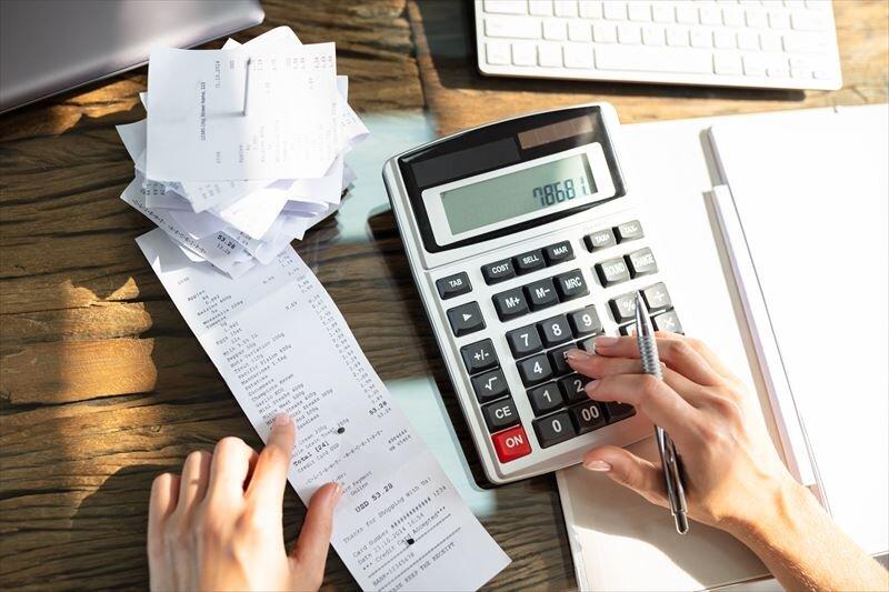 副業で経費を使う場合の注意点を把握。確定申告の際のポイントも!