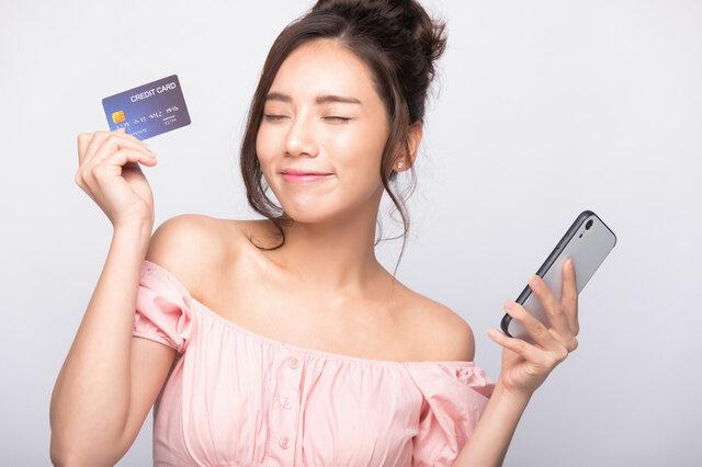 楽天銀行で作ることができるデビットカードの種類とは?