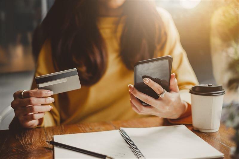 LINEのクレジットカードとは?還元率や特徴を詳しく解説