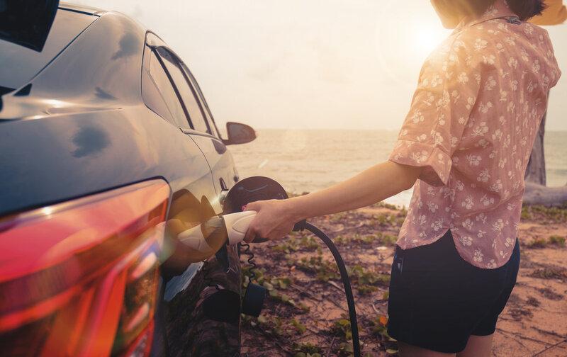 車の維持費はどのくらい?普通・軽をそれぞれ比較!節約術もご紹介