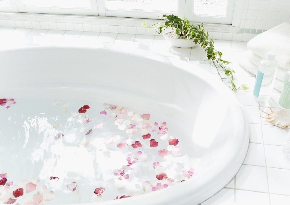 お風呂で最初に洗う場所と言えば?入浴に関するランキング発表!