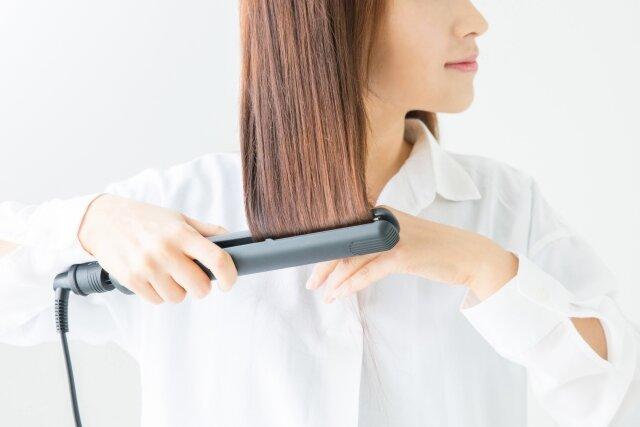 縮毛矯正後にヘアアイロンは大丈夫?使用時の注意点について