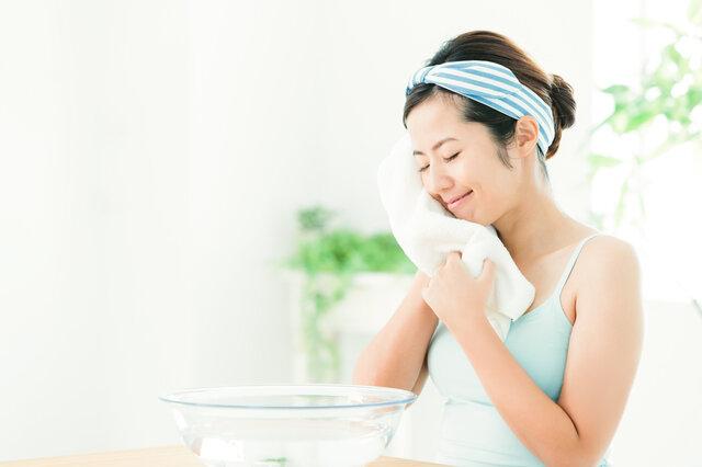 ただ洗顔をするだけでは効果が薄い?正しい洗顔で毛穴をケアしながらスキンケア