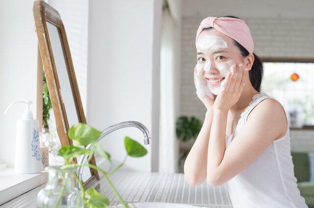クレンジングと洗顔はどう違う?ダブル洗顔不要について