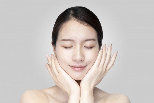 化粧水と乳液の効果を正しく発揮するためには、どんな使い方をするべき?