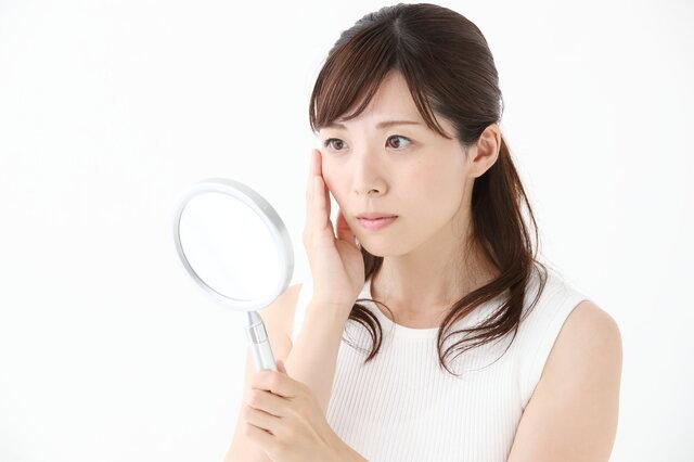 自分でできる顔のシワ改善!シワ消しのエクササイズ&コスメとは?