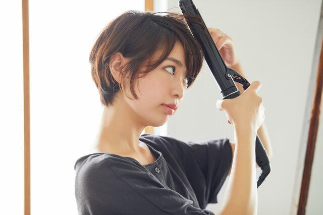 ヘアアイロンの適切な温度は?髪を傷ませない使い方について解説します