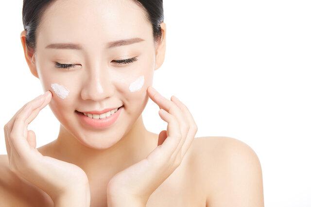 スクラブ洗顔料の魅力とは?特徴や使い方、おすすめの洗顔料も紹介!