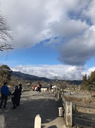 京都は嵐山の中之島橋にて