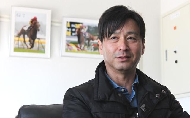 サトノアーサーを管理する池江泰寿調教師
