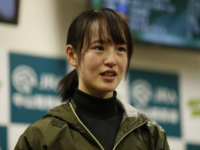 制度変更に伴いコメントを出す藤田菜七子騎手