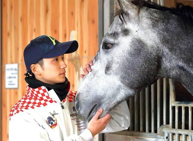エントシャイデンとタッグを組む坂井瑠星騎手