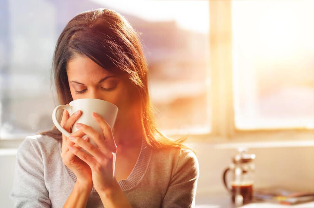 その口臭、コーヒーが原因かも! 対策と予防で気になるニオイを解消