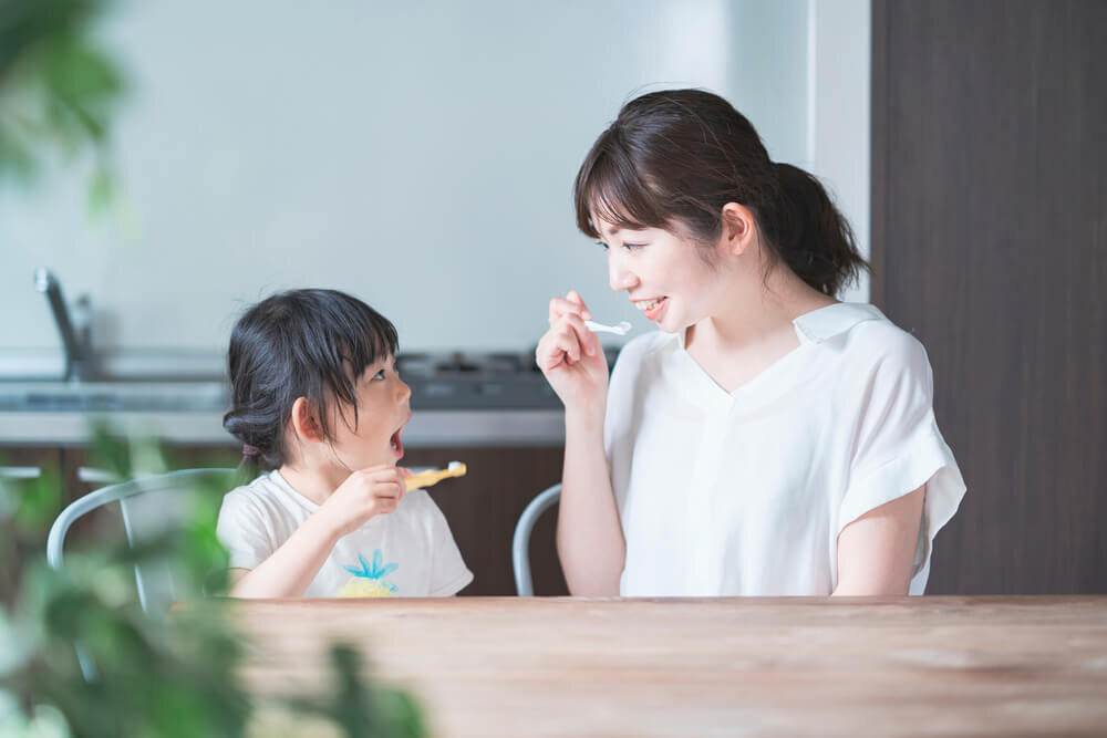 「子供のむし歯を予防したい」ならフッ素入り歯磨きがおすすめ。働きや効果的な使い方を紹介