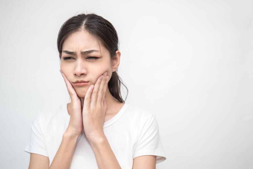 歯槽膿漏は放置すると危ない! 正しくケアをして、自分の歯を大切にしよう【歯科医師監修】