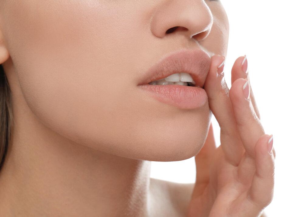 唇がかゆいのは病気? かゆみが治まらないときは病院を受診しよう
