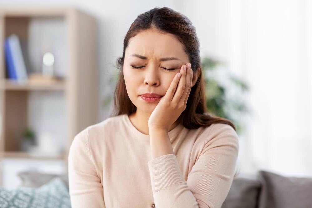 噛むと歯が痛い! そのとき考えられる原因とは。日頃からできるケアもご紹介