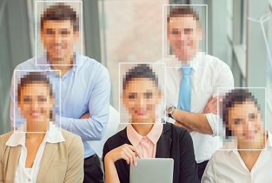 図2:映像から人を認識して顔にモザイク処理をかける