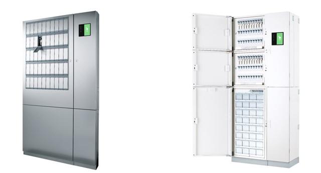 図5:個別収納型の鍵管理機(写真左)とオープン収納型の...