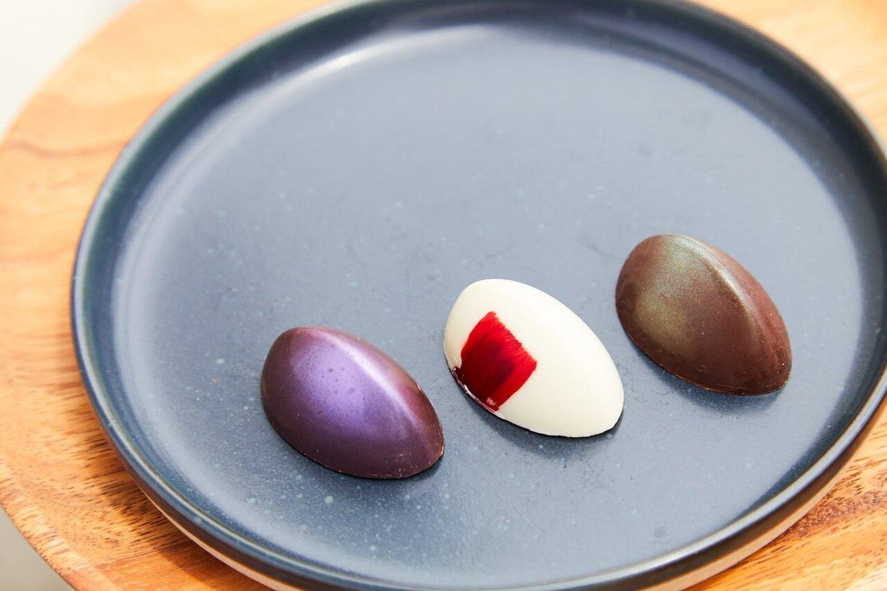 これぞ口福。山梨の果実&ワインをフランス産のショコラで包んだハイなスイーツ