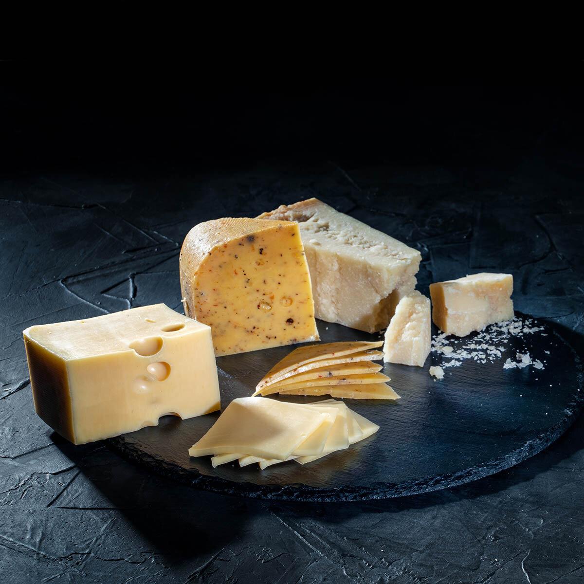 フランス人のいきいきとしたライフスタイルをお届け。本場チーズのサブスクで最愛の時間を