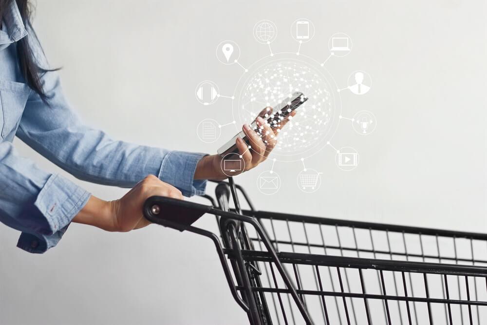 顧客満足度を向上させるOMOとは? 定義や市場、成功事例も合わせて紹介