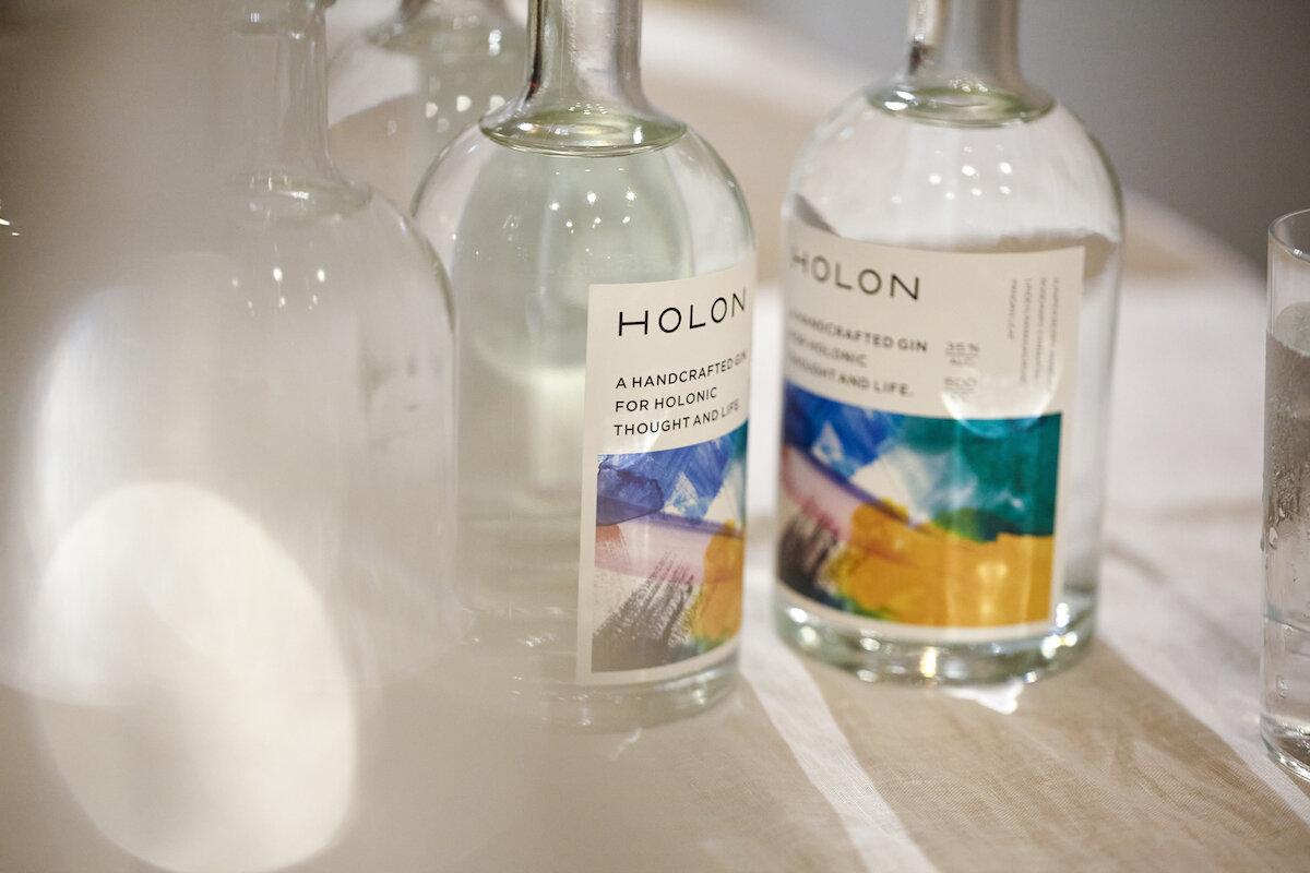 メディテーションのようなひとときを。自分と向き合うためのお酒「HOLON GIN」